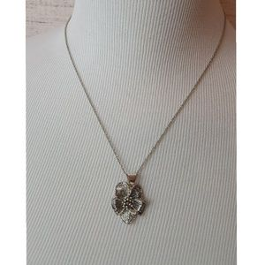 Jewelry - Silver-colored Flower Necklace